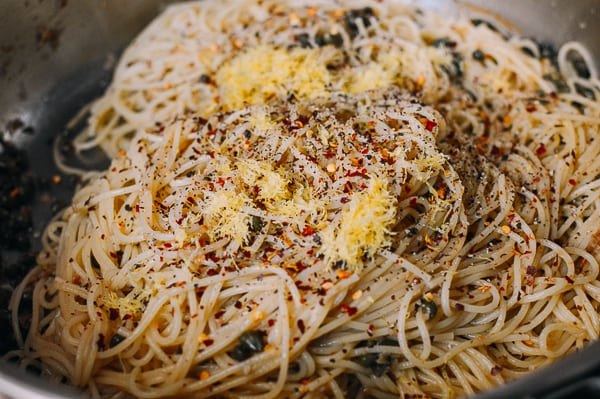 spaghetti-with-breadcrumbs-14